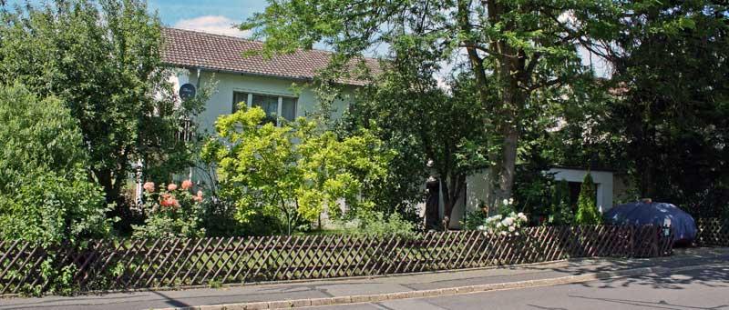Immobilien Objekte - Wohnhaus mit idylischem Grundstück